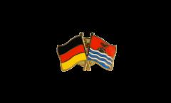 Pin's épinglette de l'amitié Allemagne - Kiribati - 22 mm