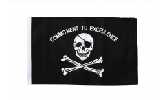 Drapeau Pirate Commitment to excellence avec ourlet